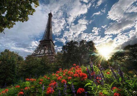 изгрев Париж