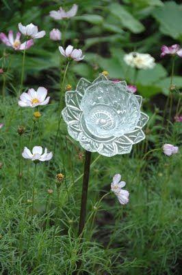 странни рециклирани цветя